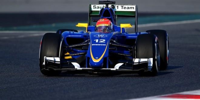 Barcelona, dia 1 – Nasr lidera manhã; Lewis passa mal; Mclaren abandona
