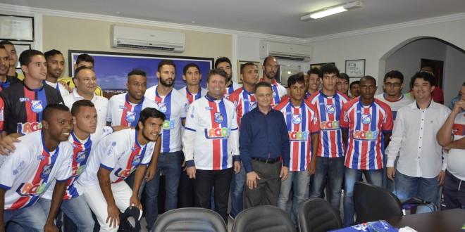 Esporte: Caldas Esporte Clube recebe uniformes completos da prefeitura municipal